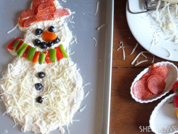 make a christmas pizza