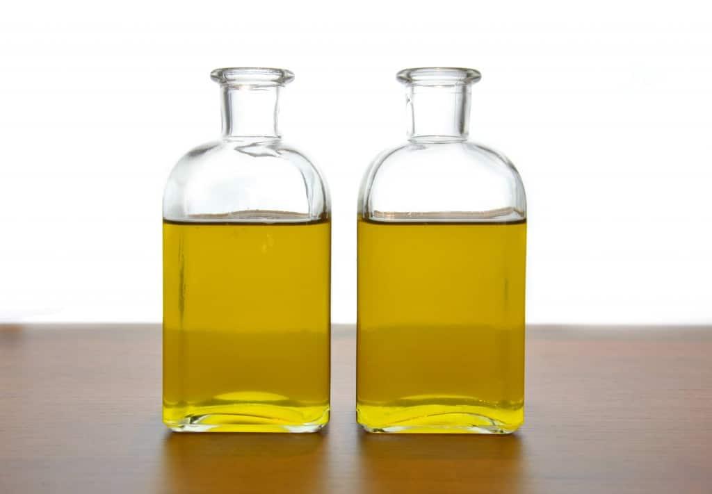 glue pee urine